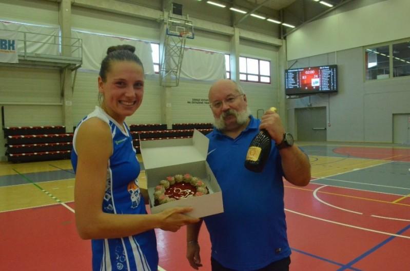 Foto: Zajímavý 1.ročník mezinárodního lázeňského basketbalového turnaje žen a třetí místo našeho týmu