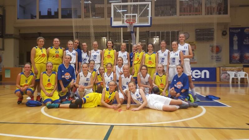Foto: Turnaj dívek kategorie U14