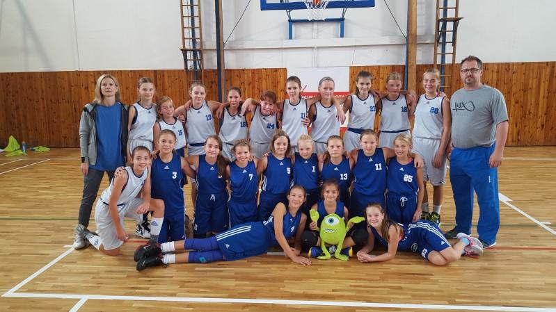 Foto: Třetí finálový turnaj - NF ČR minižákyň U13 v Ostravě s naší účastí
