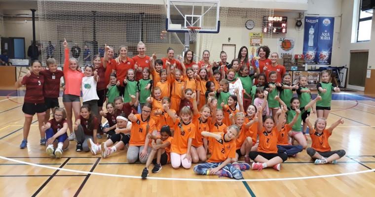 Turnaj ZŠ v rámci mezinárodního basketbalového turnaje žen se opět povedl