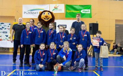 U12tky obsadily 3. místo na vánočním turnaji v Plzni